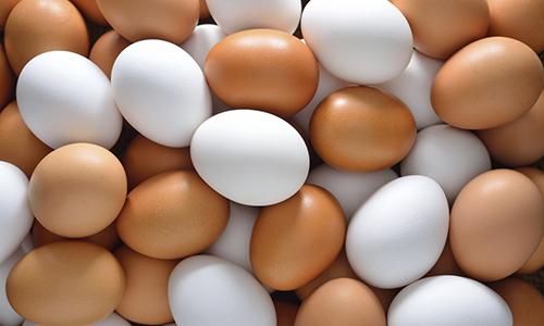 Для приготовления пудинга на пару понадобятся 2 яйца