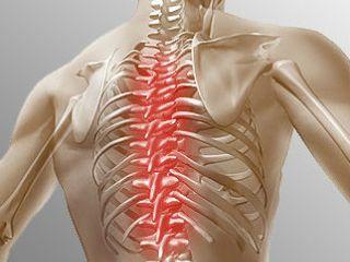 Зачастую болями проявляются проблемы позвоночника