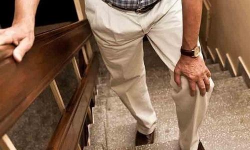 У пациентов с панкреатитом могут даже болеть суставы ног