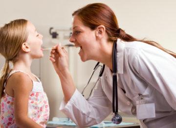 Что делать, если у ребенка хрипит горло?