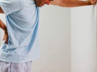 Спина может болеть при патологиях внутренних органов