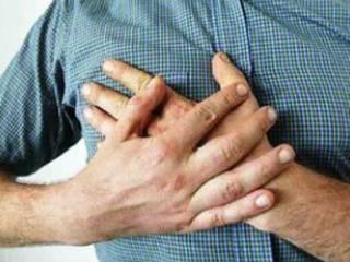 Что болит справа в груди