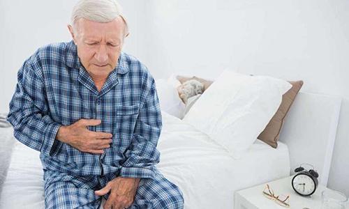Главное клиническое проявление хронического воспалительного процесса в поджелудочной железе - болевой синдром, который локализуется в области желудка, а также правого или левого подреберья