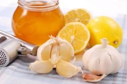 Чеснок, мед и лимон для лечения горла