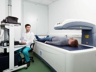 Рентген-денситометрия наиболее информативна