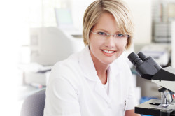 Лабораторное исследование налета с миндалин