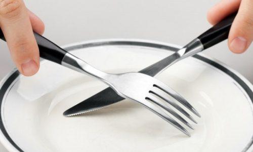 В острой стадии панкреатита после приступа следует на 2-3 дня полностью отказаться от пищи