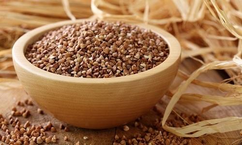Для диетического питания при панкреатите хорошо подходит гречневая крупа