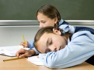 Недомогание и постоянная усталость могут быть признаками остеохондроза