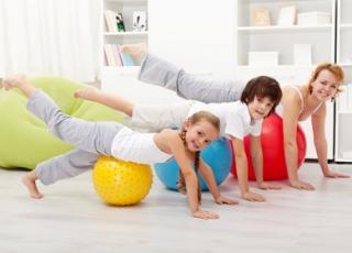 В юном возрасте очень  эффективна лечебная физкультура