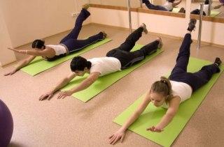 Упражнения на вытяжку  полезны для поясницы