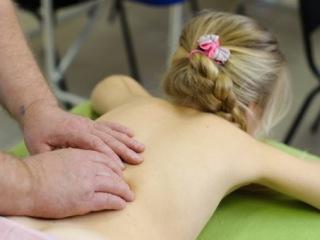 Пользу массажа в лечении сколиоза трудно переоценить