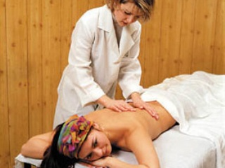 Целесообразность проведения массажа должен определить врач