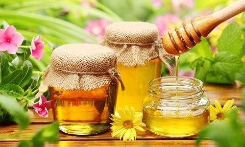 Для улучшения вкусовых качеств в чай с чабрецом можно добавить 1 ч. л. меда