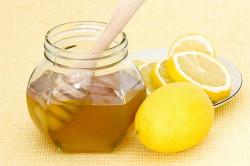 Мед с лимоном от першения в горле