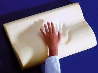 Качественная подушка должна быстро восстанавливать форму после нажатия
