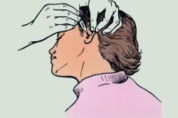 Закапывание перекиси водорода в уши