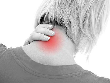 Сильная боль - первый симптом перелома