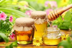 Польза меда при болях в желудке