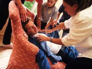 Остеохондроз может привести к обмороку