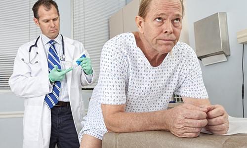 Всем мужчинам от 40 лет и выше следует регулярно проходить медицинский осмотр предстательной железы