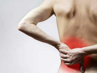Сильная и резкая боль в пояснице еще называется прострелом