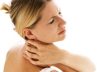 Острая боль при движениях головы - первый симптом