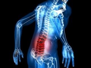 Ретролистез проявляется сильной болью