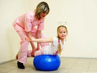 ЛФК - лучший способ профилактики и лечения сколиоза